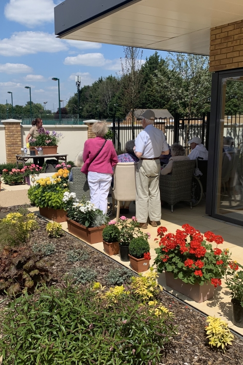 Windsor Farm Shop Advises our Residents on Decorating their Balconies
